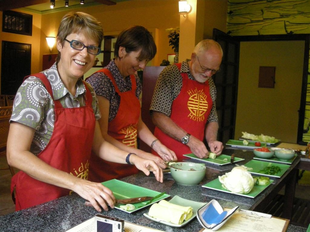 HOI AN COOKING CLASS TOUR BY MOTORBIKE