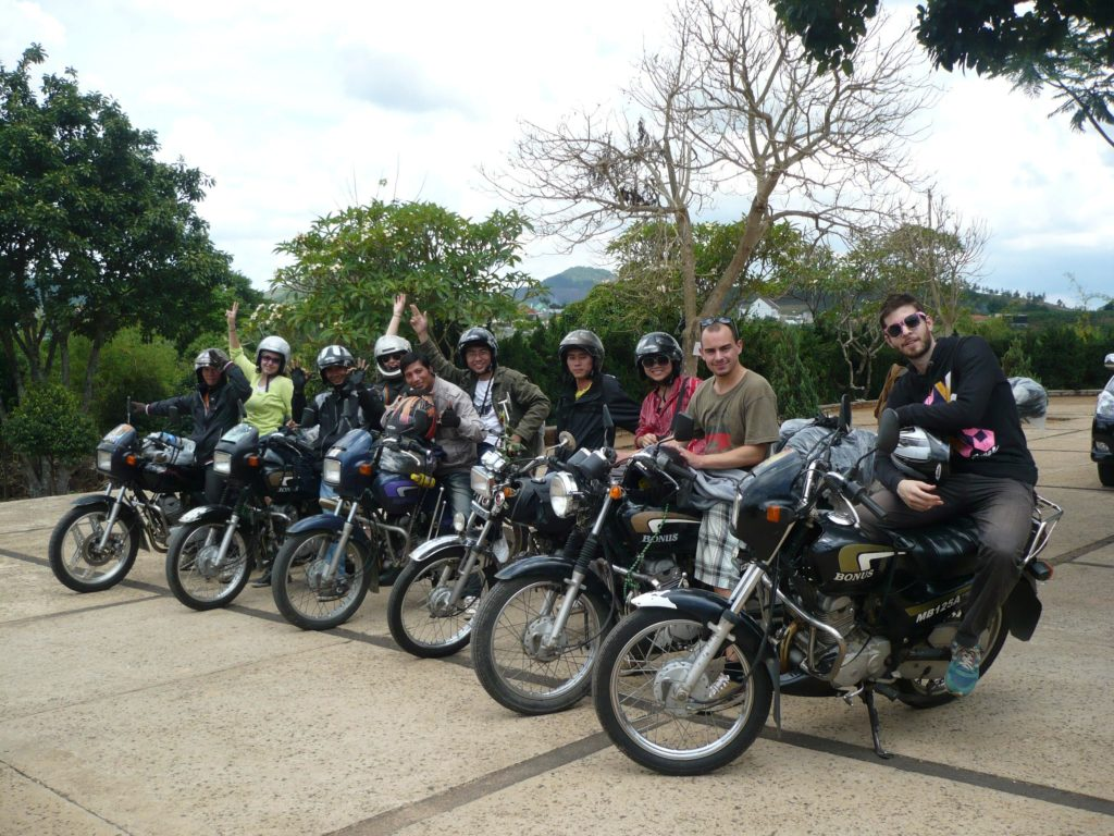 HUE DAILY MOTORBIKE TOUR TO DMZ
