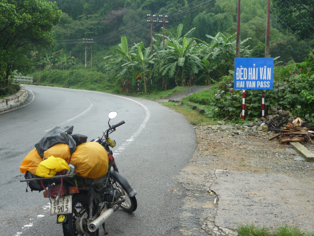 ONE DAY HOI AN MOTORCYCLE TOUR TO HAI VAN PASS