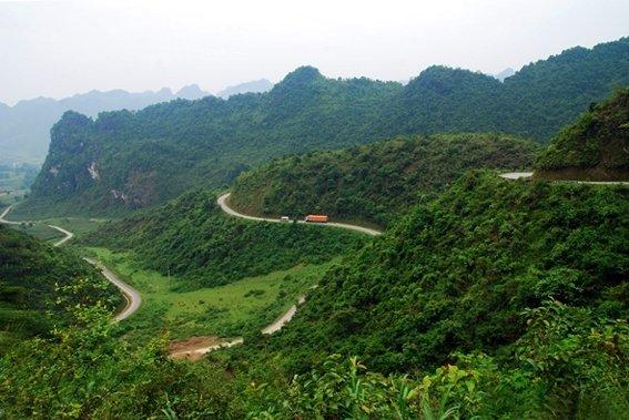 VIETNAM OFFROAD MOTORCYCLE TRIP TO HA GIANG AND CAO BANG
