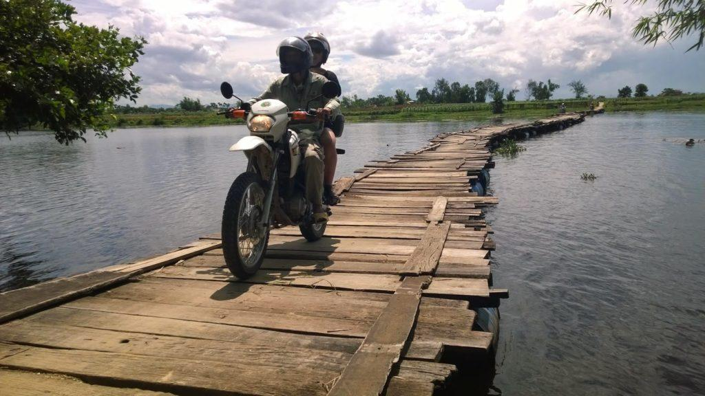 COMPLETE VIETNAM MOTORBIKE TOUR ALONG THE COAST FOR 18 DAYS