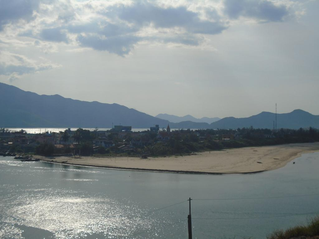 ONE DAY HOI AN TO HUE MOTORCYCLE TOUR