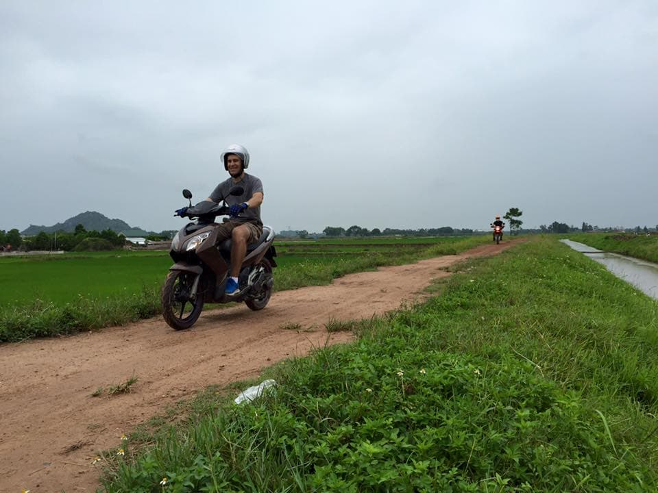 SHORT HANOI MOTORBIKE TOUR FOR COUNTRYSIDE LANDSCAPES