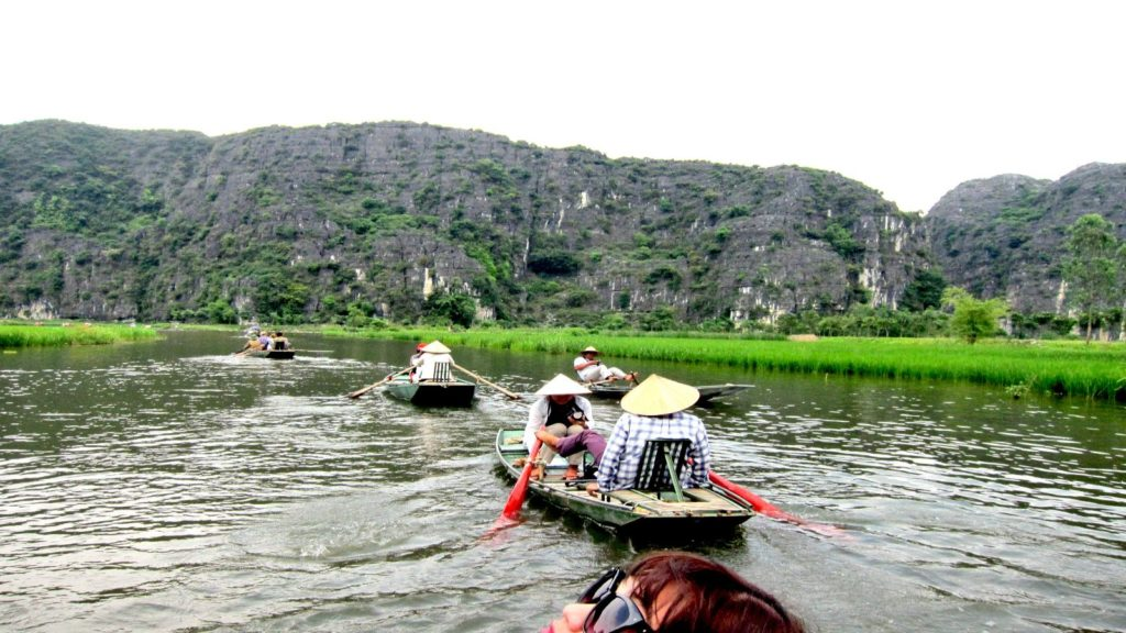 HANOI MOTORCYCLE TOUR TO CUC PHUONG PARK AND HOA LU – TAM COC FOR 2 DAYS