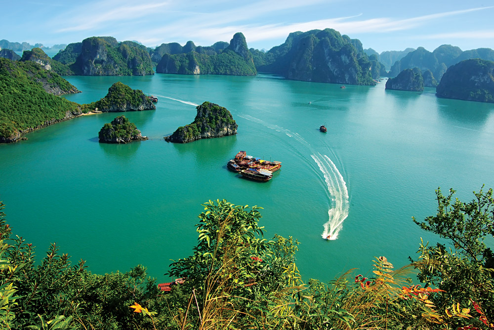 HANOI GROUP MOTORBIKE TOUR TO HA LONG BAY FOR 2 DAYS