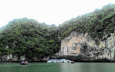 Hanoi motorbike tour to Halong Bay